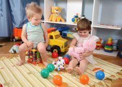 Как выбрать детские игрушки в зависимости от возраста?